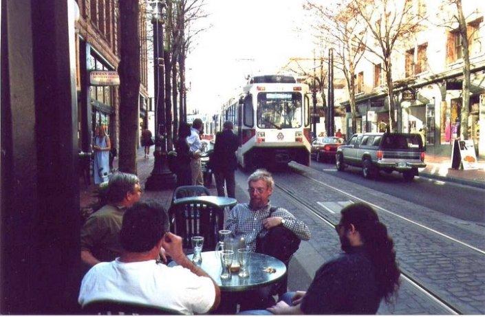 Streetcar_Sidewalk Cafe